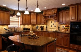 Classic Style Wooden Counters Tuscan Style Kitchen Cabinets with Marble Table