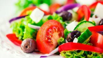 1377079886_salat-grecheskiy1